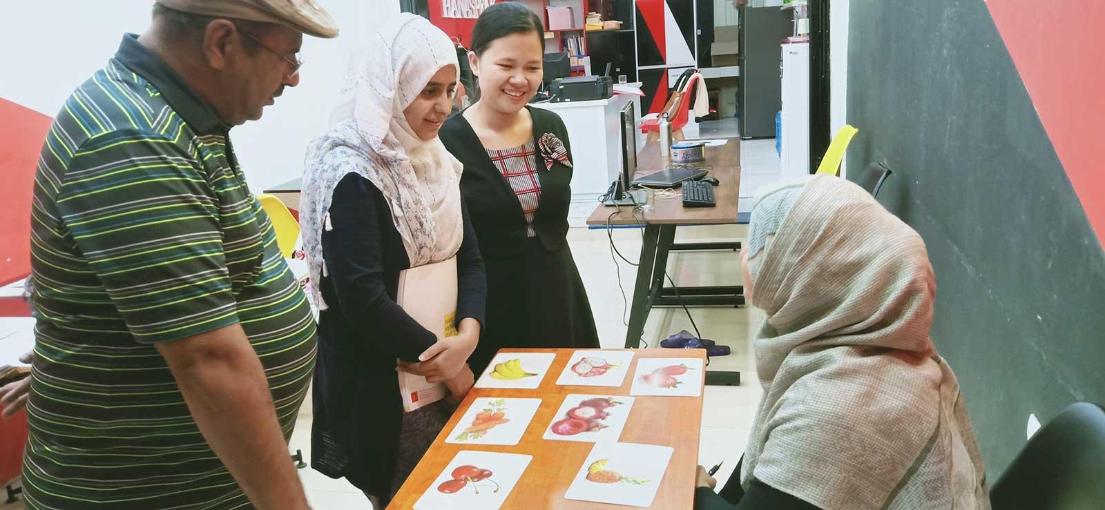 Dạy tiếng Việt cho người nước ngoài Hanaspeak
