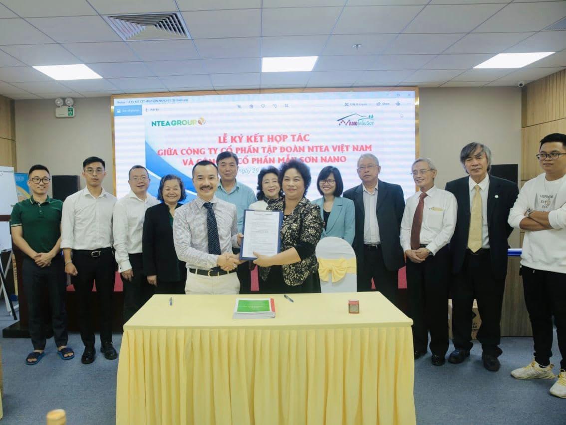 Công ty CP Tập đoàn Ntea Việt Nam và Công ty CP Mẫu Sơn nano ký kết biên bản hợp tác sản xuất và phát triển