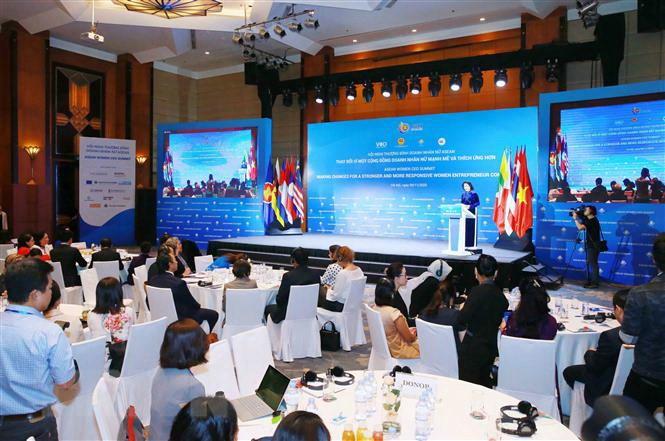 Ntea tham dự gian hàng tại hội nghị Thượng đỉnh Doanh nhân nữ ASEAN